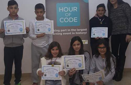 Our FUNecole students at EasyWay Learning Center in Larnaca-Xylophagou delighted to have received their #HourOfCode certificates! Great work young-coders, keep it up